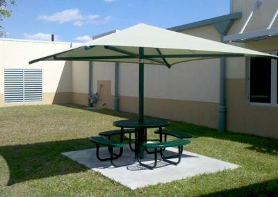 cantilever-shade-umbrella-2-min