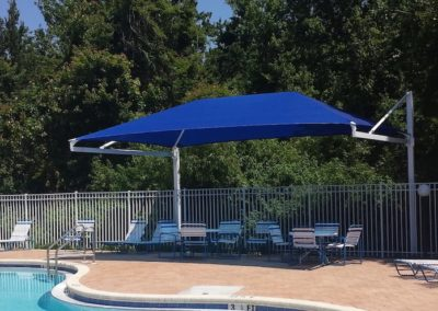 poolside-cantilever-shade-1