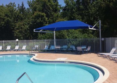 poolside-cantilever-shade1-min